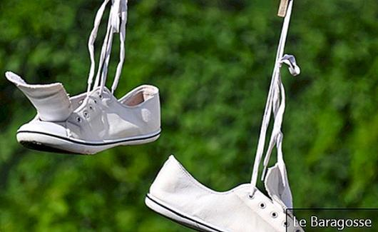 How to Clean White Sneakers: Learn 5 Infallible Ways