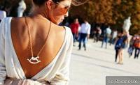 Back necklace